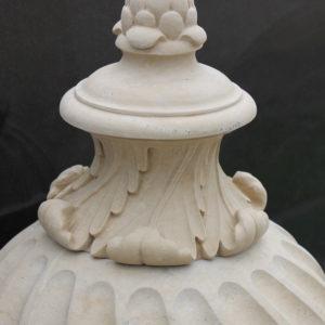 Weißer Marmor Urne - Ref. 046 insbesondere oben